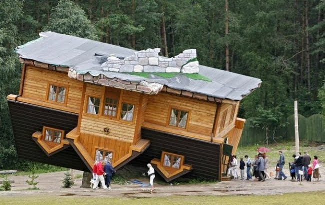 worlds most unusual houses upside down house - Worlds Beautiful Houses
